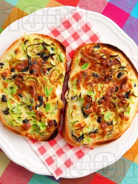 Сандвичи с праз, яйца и сирене - снимка на рецептата